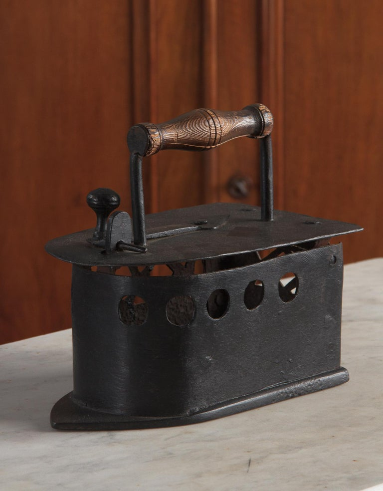 Antique French Coal Iron, 19th Century For Sale 14