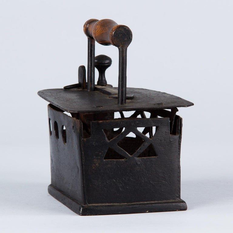 Antique French Coal Iron, 19th Century For Sale 5
