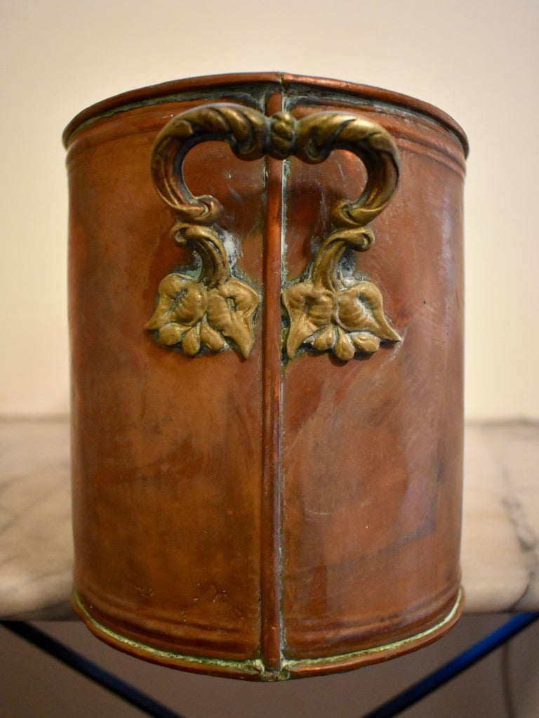 Rustic Country French Copper and Brass Handled Potted Plant Holder, circa 1900 For Sale 4