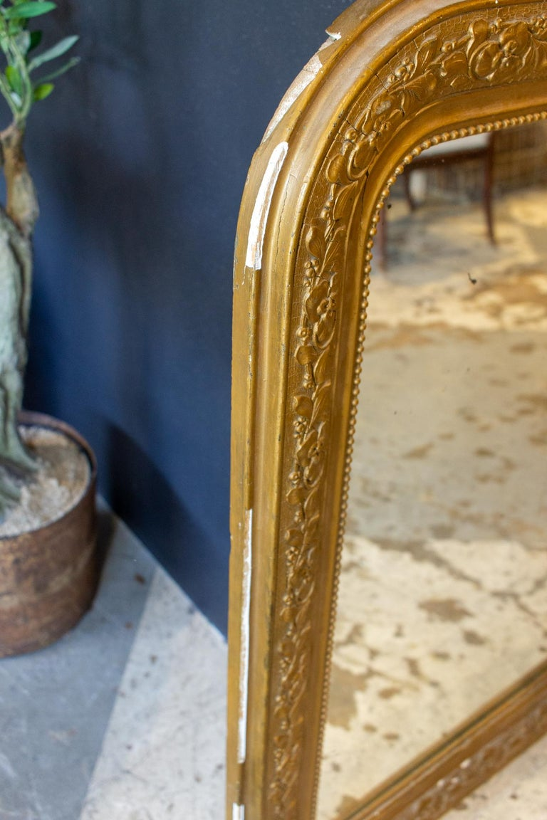 Antique French Distressed Gold Louis Philippe Mirror with Floral Details For Sale 6