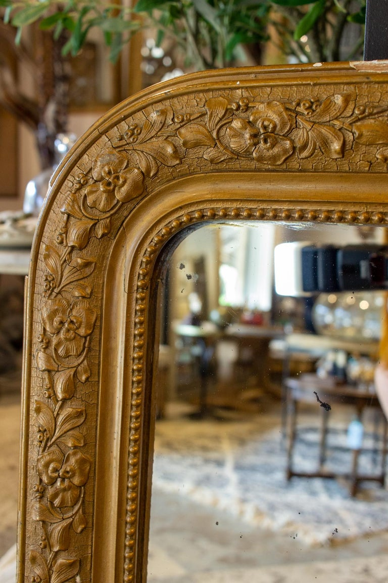 Antique French Distressed Gold Louis Philippe Mirror with Floral Details For Sale 3