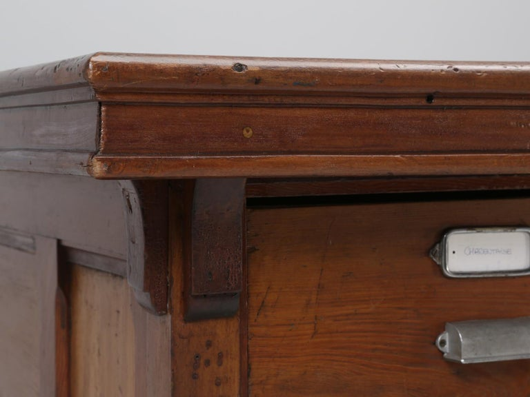 Antique French Drapers Table or Très Grand Kitchen Island, circa 1900-1920 For Sale 6