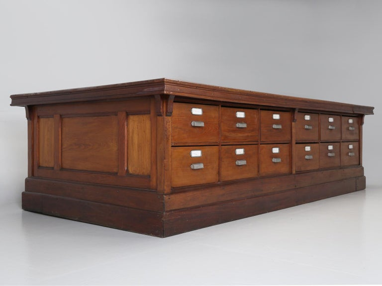 Antique French Drapers Table or Très Grand Kitchen Island, circa 1900-1920 For Sale 12