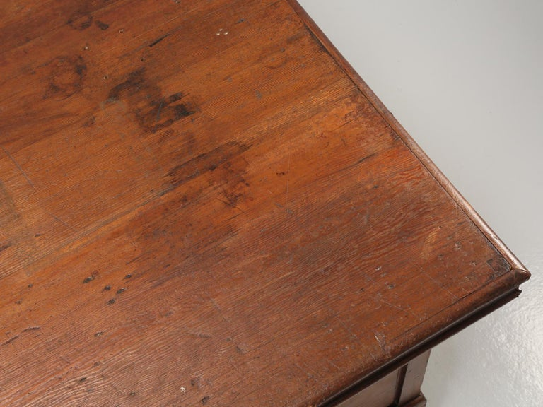 Industrial Antique French Drapers Table or Très Grand Kitchen Island, circa 1900-1920 For Sale