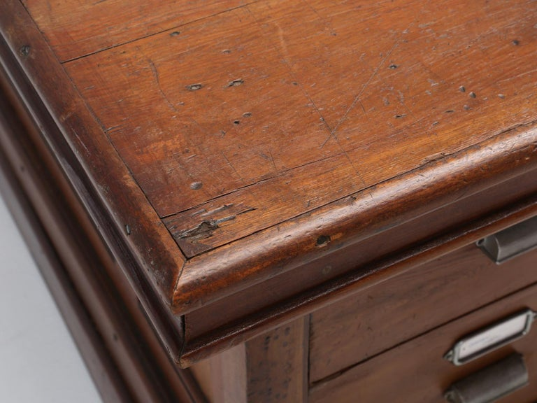 Early 20th Century Antique French Drapers Table or Très Grand Kitchen Island, circa 1900-1920 For Sale