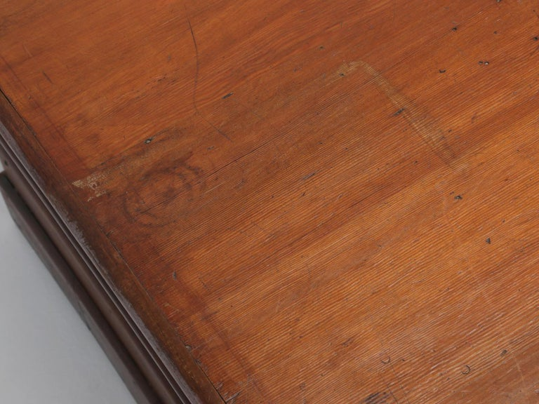 Antique French Drapers Table or Très Grand Kitchen Island, circa 1900-1920 For Sale 1