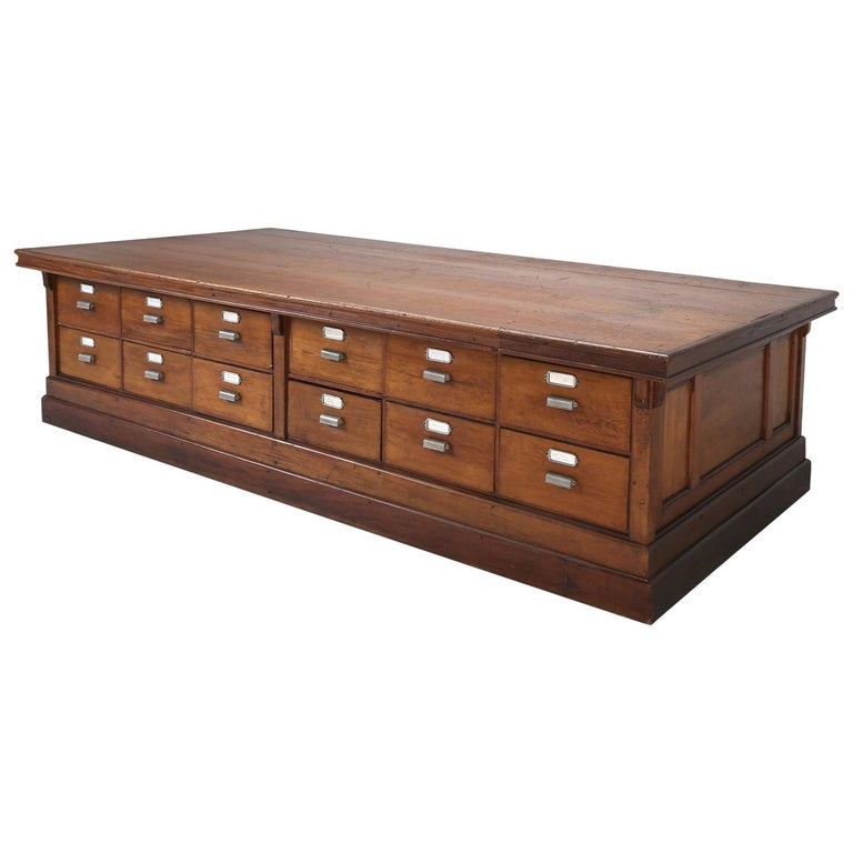 Antique French Drapers Table or Très Grand Kitchen Island, circa 1900-1920 For Sale