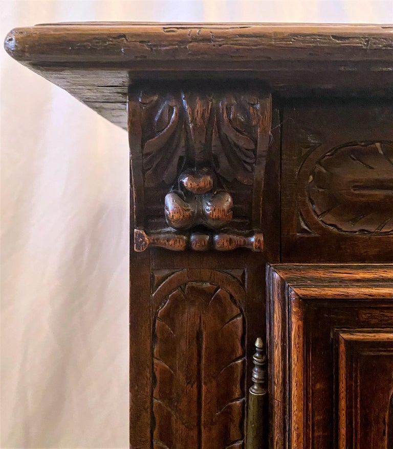 Antique French Finely Carved Oak Night Table, circa 1870-1880 For Sale 3