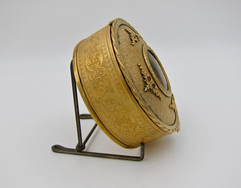 Antique French Gilt Bronze Vanity Box with a Hand Painted Enamel Portrait In Good Condition For Sale In Los Angeles, CA