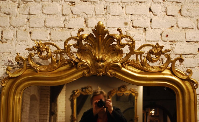 Antique French Gold Leaf Gilded Louis Philippe Mirror with Crest For Sale 2