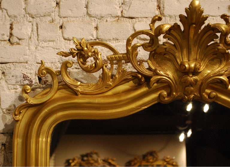 Antique French Gold Leaf Gilded Louis Philippe Mirror with Crest For Sale 3