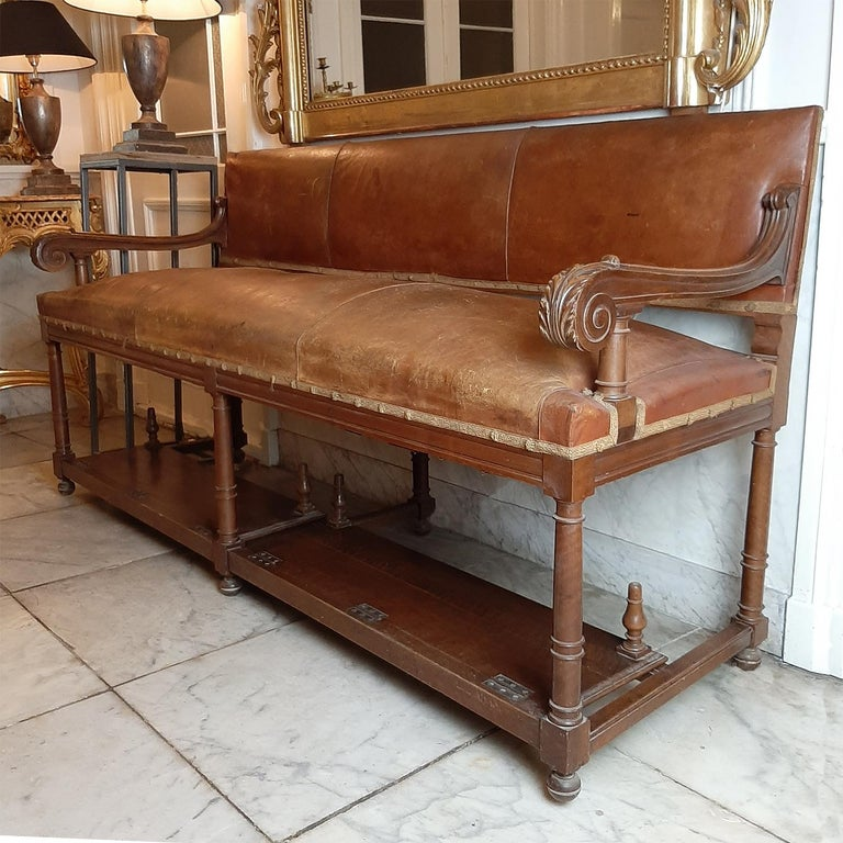 Carved Antique French Hotel Entrance Sofa or Gentlemen's Shoe Shine Bench, circa 1900 For Sale