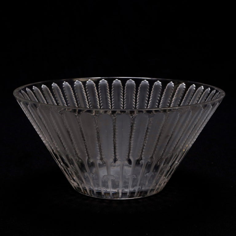 Antique French Lalique Crystal Center Bowl, circa 1920 In Good Condition For Sale In Big Flats, NY