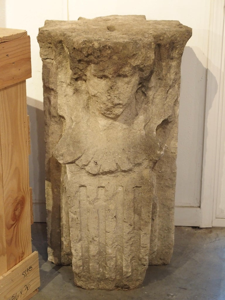 Antique French Limestone Chateau Caryatid from the Late 1700s In Good Condition For Sale In Dallas, TX