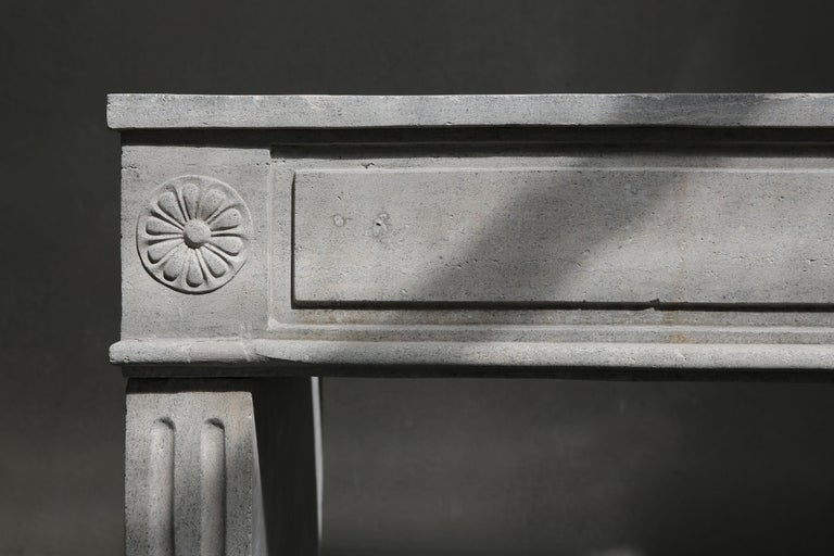 Antique French Limestone Fireplace, Style Louis XVI In Good Condition For Sale In Made, NL
