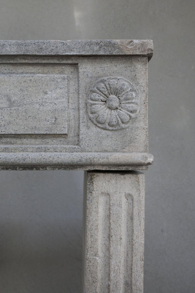 Antique French Limestone Fireplace, Style Louis XVI For Sale 3