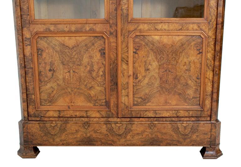 Antique French Louis Philippe Burl Walnut Bookcase / Cabinet, circa 1830 For Sale 6