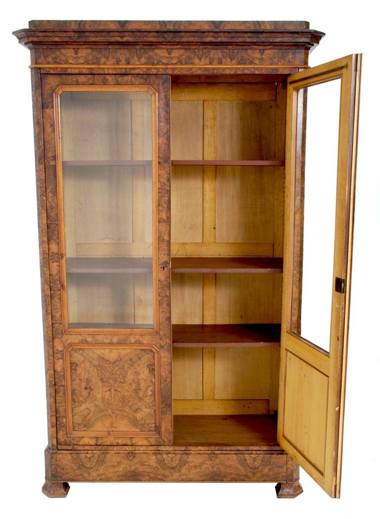 Antique French Louis Philippe Burl Walnut Bookcase / Cabinet, circa 1830 For Sale 3