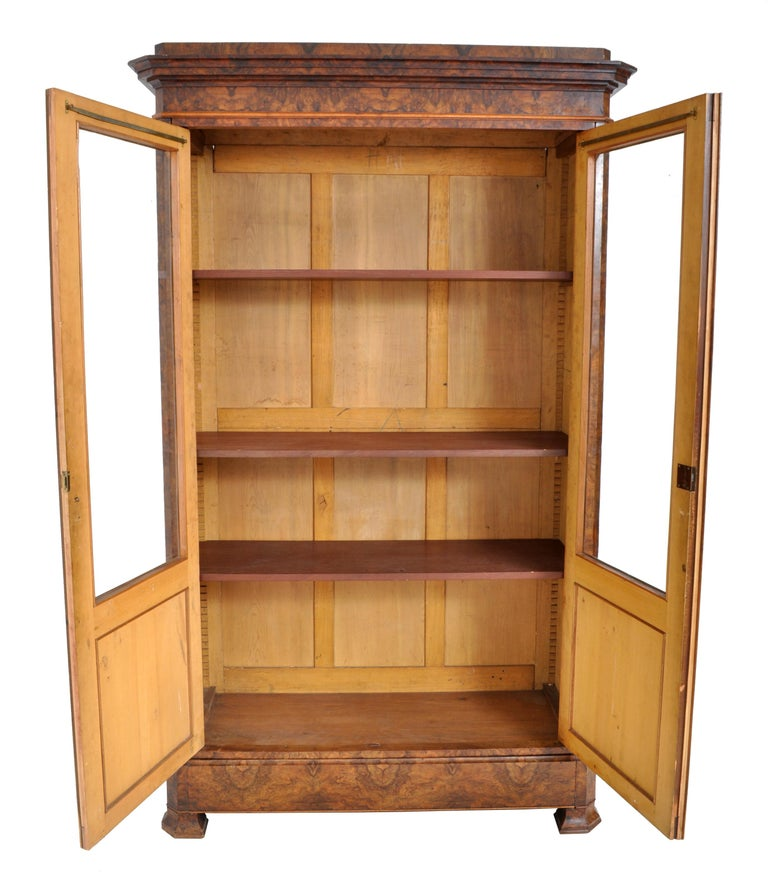 Antique French Louis Philippe Burl Walnut Bookcase / Cabinet, circa 1830 For Sale 4