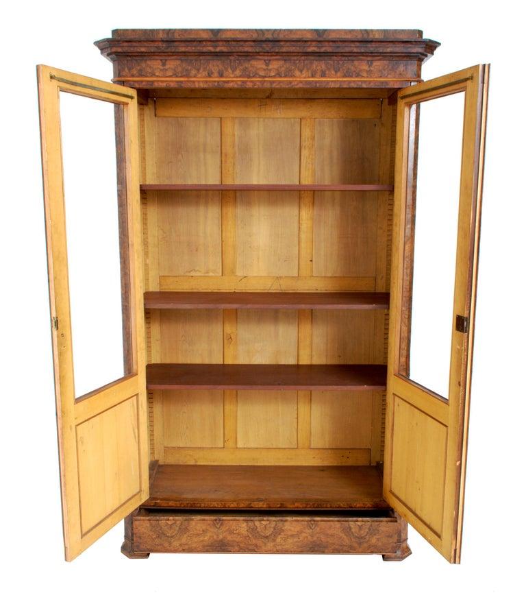 Antique French Louis Philippe Burl Walnut Bookcase / Cabinet, circa 1830 For Sale 5