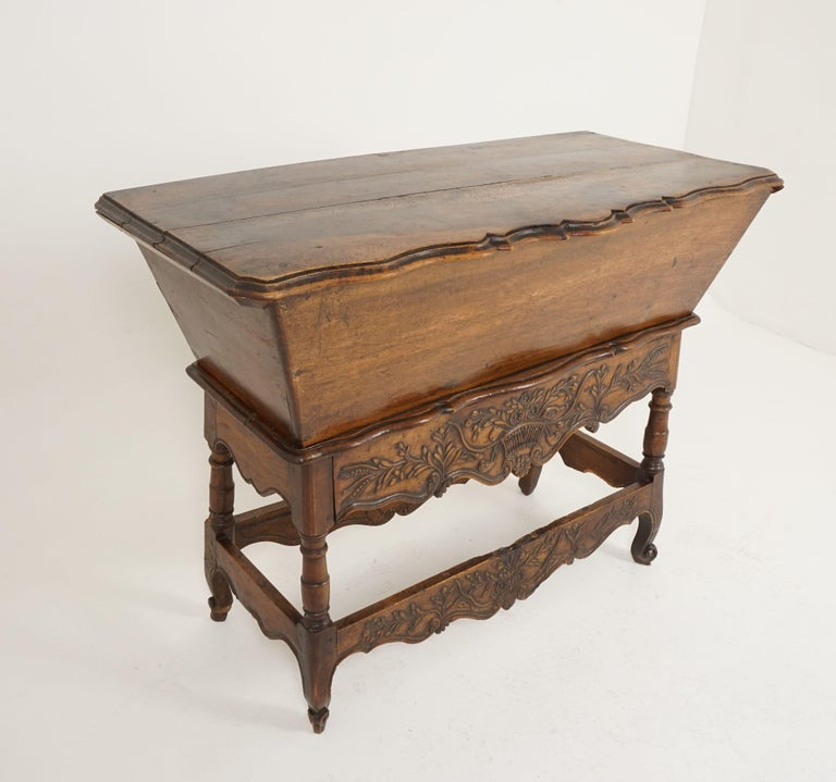Antique French Louis XV carved walnut dough box, France, 1880, B2503  France, 1880 Solid walnut Original finish Three board scalloped lift up lid Opens to reveal large storage compartment Beautifully carved drawer with foliage design