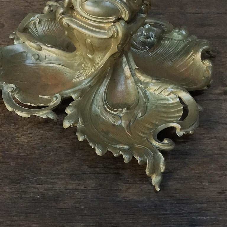 Antique French Louis XV Gilded Bronze Inkwell For Sale 5