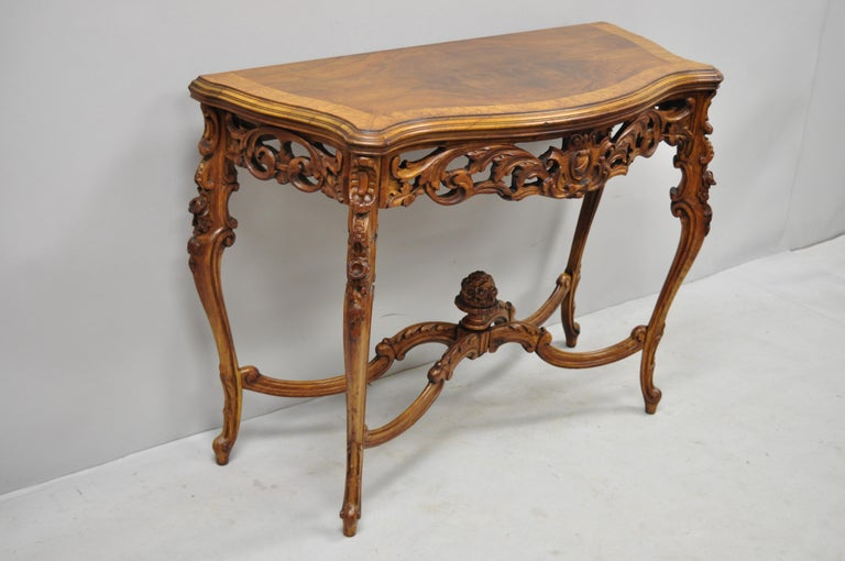 Antique French Louis XV Style Carved Walnut Banded Top Small Console Hall Table In Good Condition For Sale In Philadelphia, PA