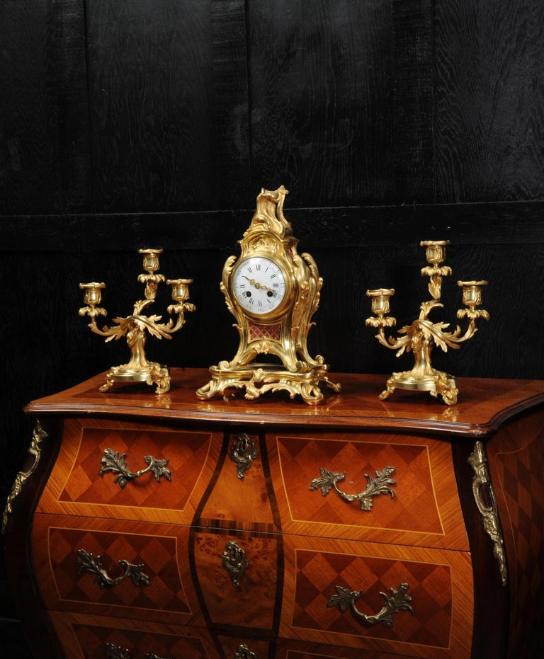 Antique French Louis XV Style Ormolu Rococo Clock Set In Good Condition For Sale In Belper, Derbyshire
