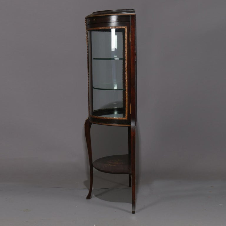 Antique French Louis XVI Mahogany and Ormolu Demilune Mirror Back Vitrine In Good Condition For Sale In Big Flats, NY