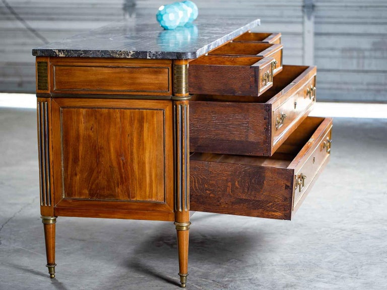 Antique French Louis XVI Neoclassical Walnut Brass Chest Commode Marble-Top In Excellent Condition For Sale In Houston, TX