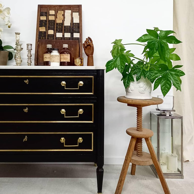 Antique French Louis XVI Chest of Drawers Commode Carrara Marble, Bronze & Brass For Sale 10