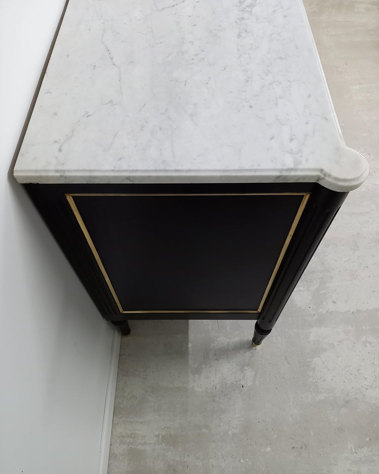 Antique French Louis XVI Chest of Drawers Commode Carrara Marble, Bronze & Brass For Sale 2
