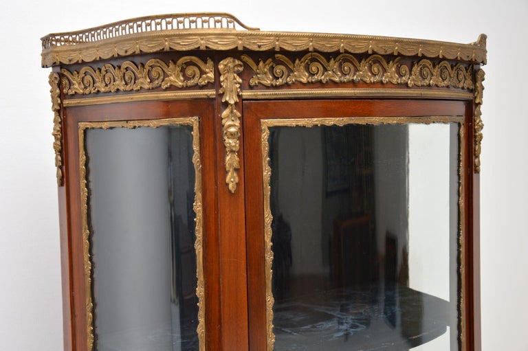 Antique French Mahogany and Marble Display Cabinet Vitrine For Sale 1