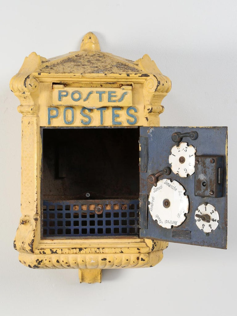 Antique French Mailbox from the Early 1900s For Sale 5