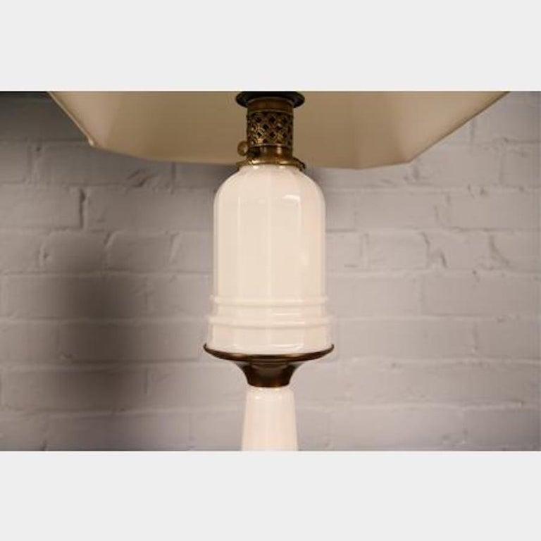 Belle Époque Antique French Opaline Milk Glass Ormolu White Table Lamp For Sale
