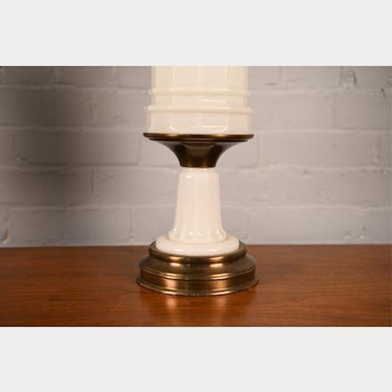 Antique French Opaline Milk Glass Ormolu White Table Lamp In Good Condition For Sale In Brooklyn, NY