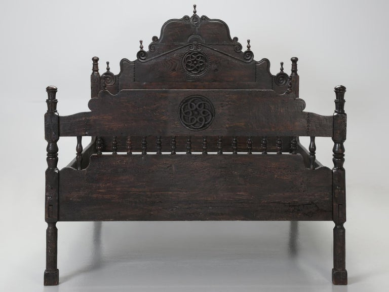 Antique Spanish Colonial Queen size bed. Yes, this could be a bit of an oxymoron, for how could a 17th century, Spanish Colonial bed, possibly accept a standard American queen size mattress? Well, in most cases, you would be absolutely correct, it