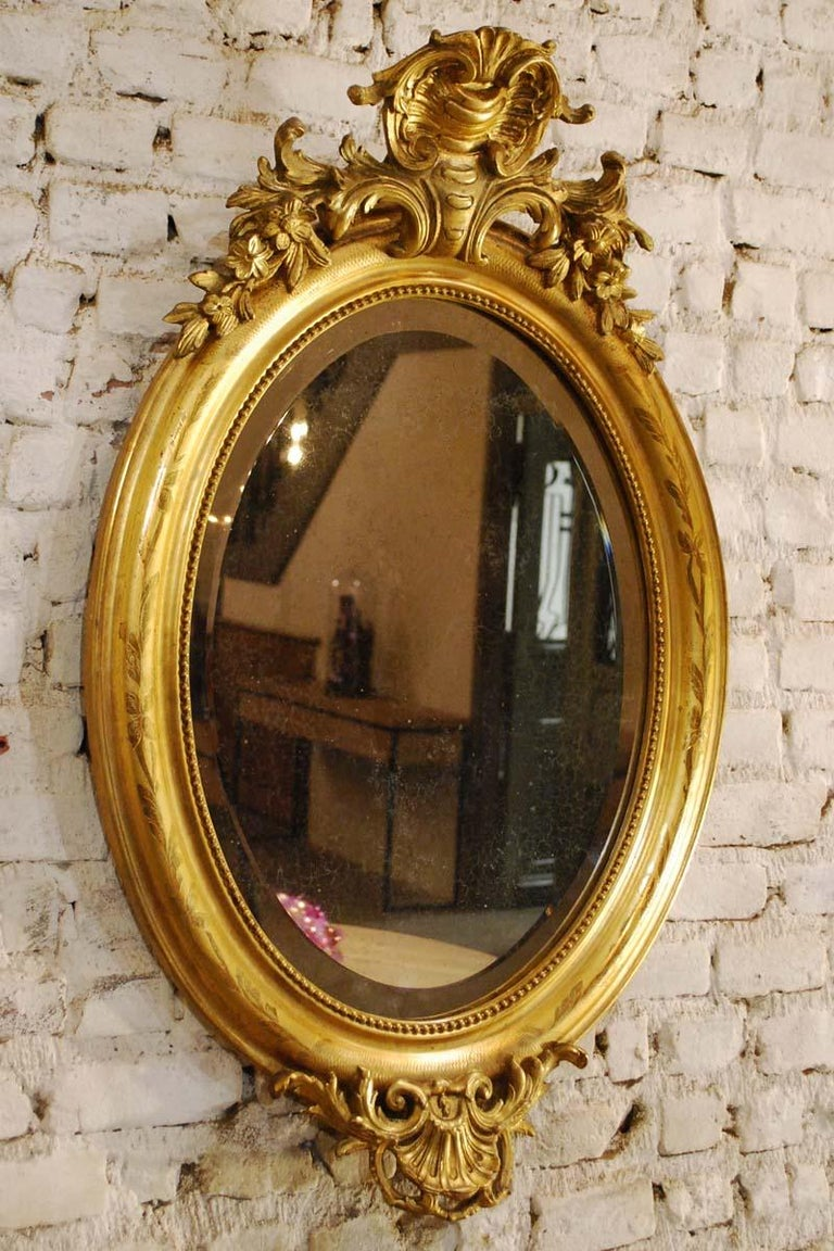 Antique French Oval Gold Gilded Louis Philippe Mirror In Good Condition For Sale In Casteren, NL