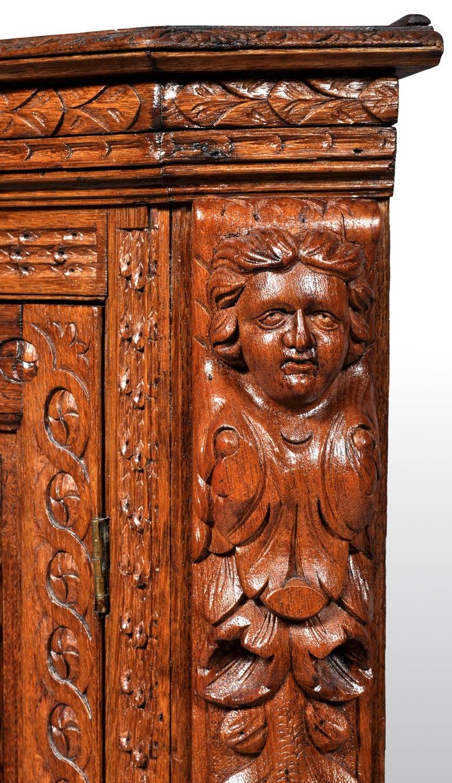 Antique French Baroque Carved Oak Corner Cabinet, circa 1780 For Sale 5