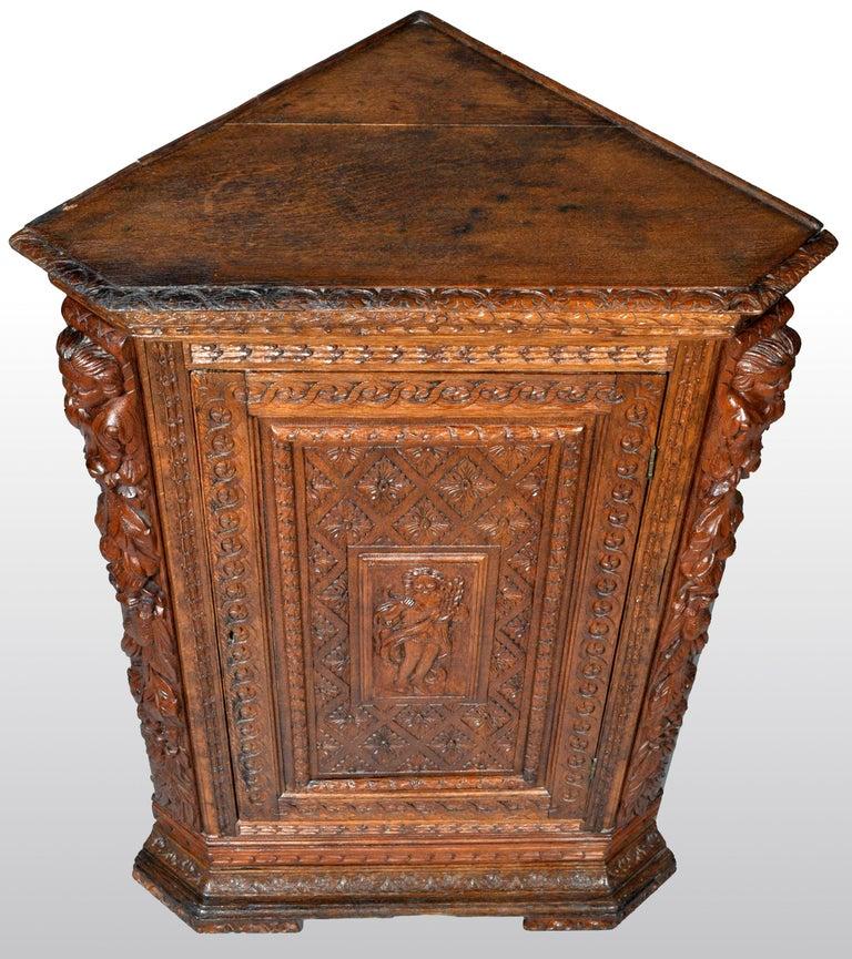 Antique French Baroque Carved Oak Corner Cabinet, circa 1780 For Sale 2