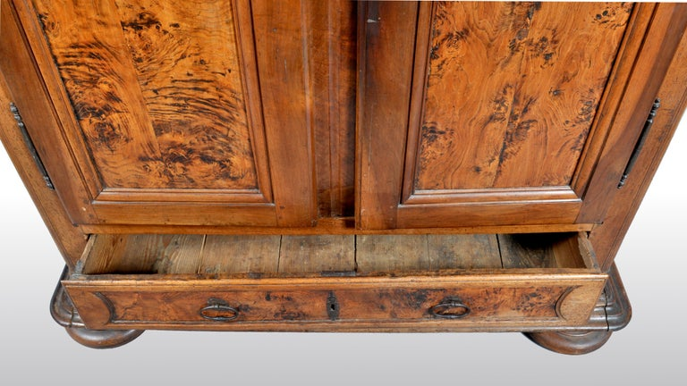 Antique French Provincial Walnut Wedding Armoire, circa 1750 For Sale 3