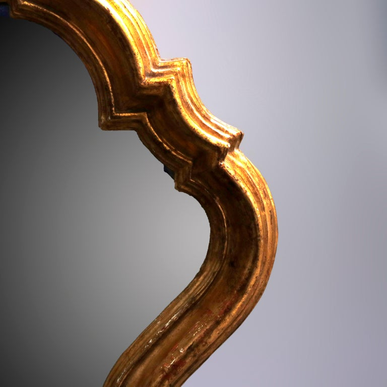 Antique French Rococo Stylized Shield Form Giltwood Wall Mirror, circa 1920 In Good Condition For Sale In Big Flats, NY