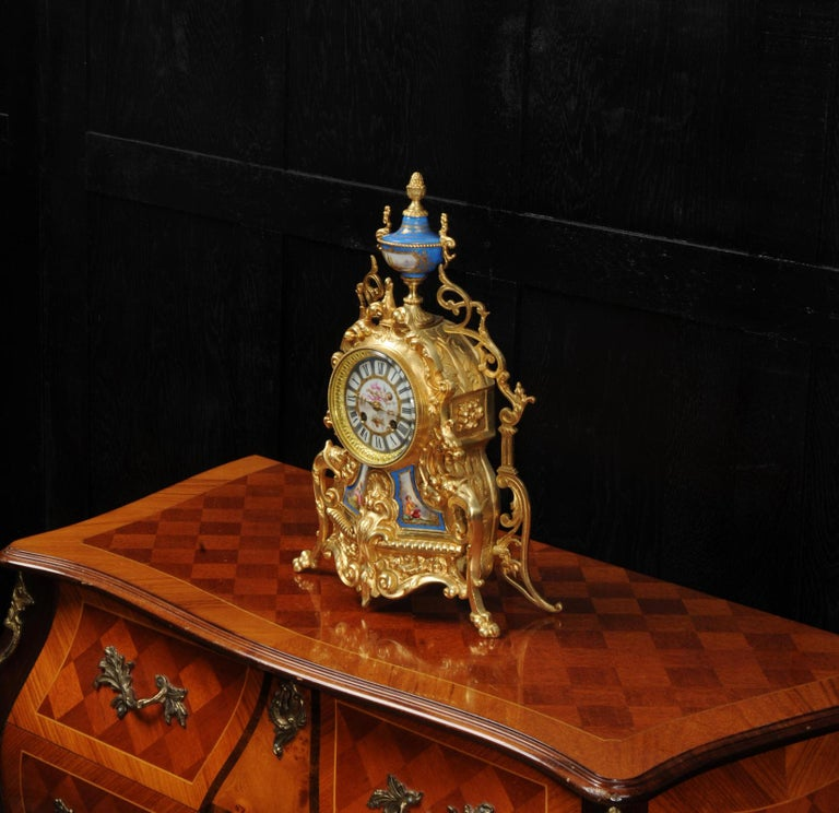 Antique French Sevres Porcelain and Gilt Bronze Clock In Good Condition In Belper, Derbyshire