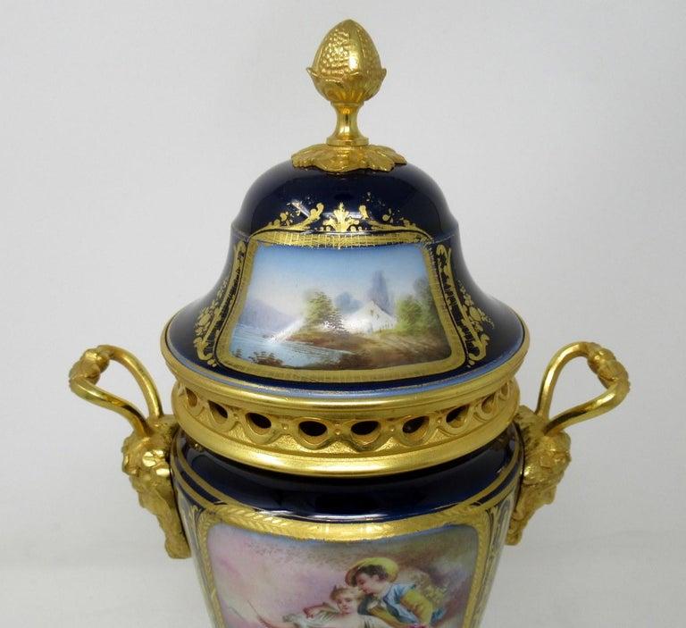 Antique French Sèvres Porcelain Ormolu Gilt Bronze Urn Vase Potpourri For Sale 1