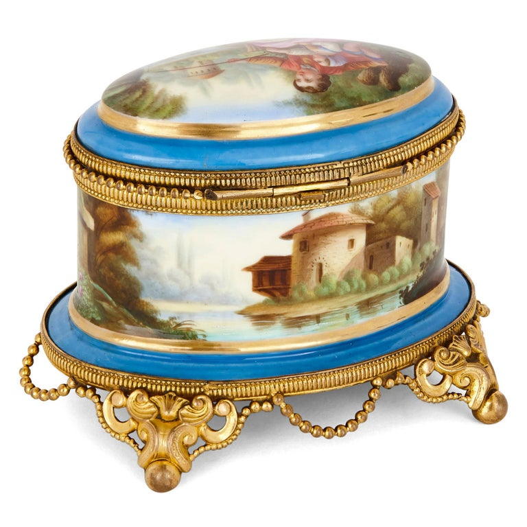 Antique French Sevres Style Porcelain Perfume Box In Good Condition In London, GB