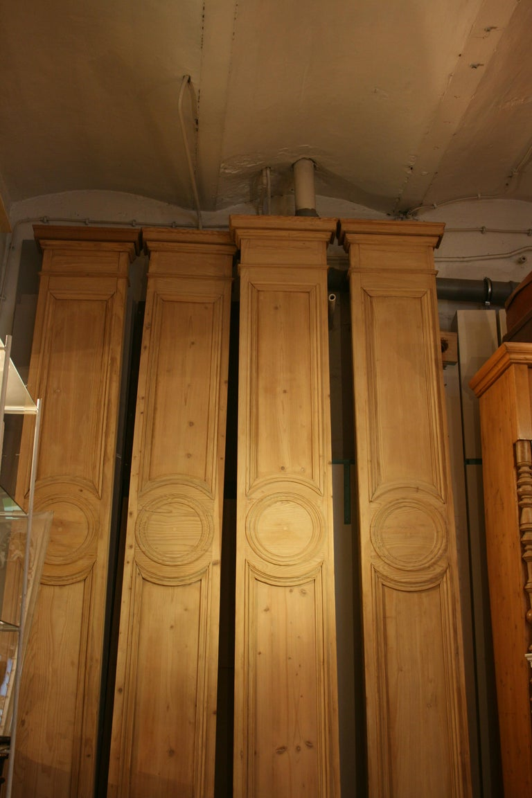 Antique French Shop Facade Panel, Made of Pine, Paris, circa 1900 In Good Condition For Sale In Dusseldorf, DE
