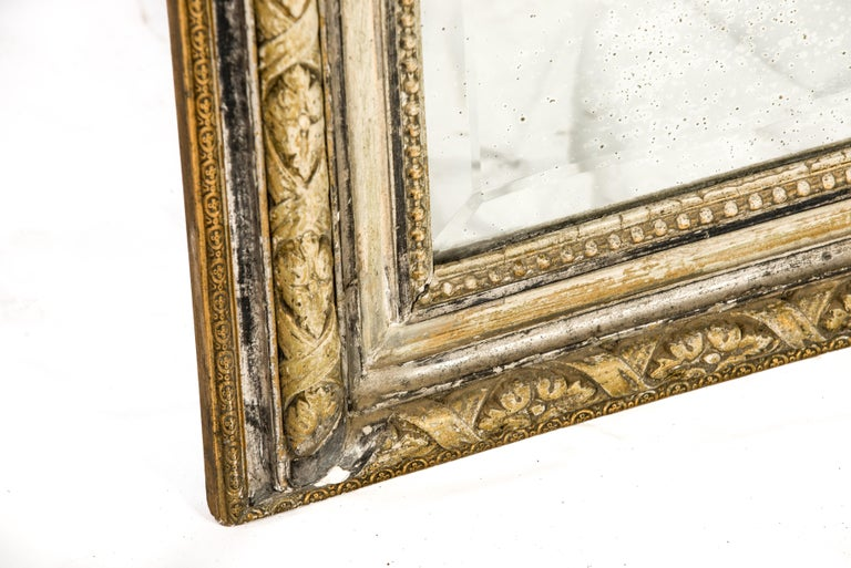 Antique French Silver and Gold Leaf Louis Seize Mirror with Floral Garlands For Sale 4