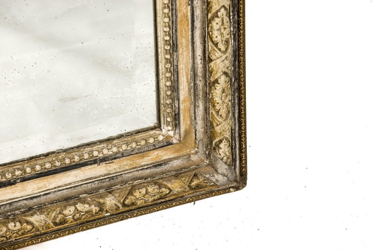 Antique French Silver and Gold Leaf Louis Seize Mirror with Floral Garlands For Sale 5