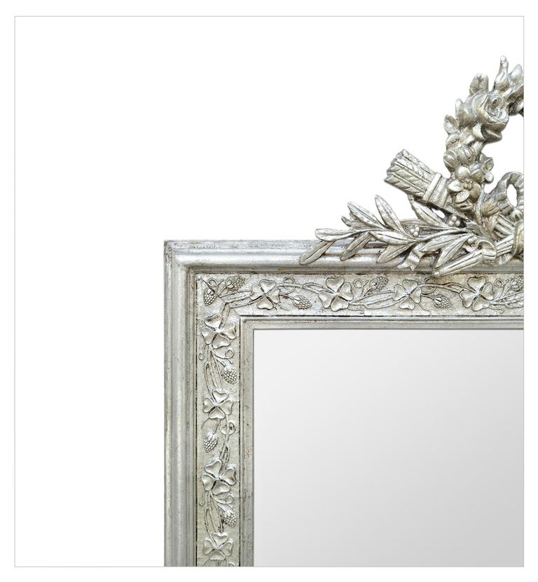 Antique French Silver Wall Mirror with Pediment, circa 1900 In Good Condition For Sale In Paris, FR