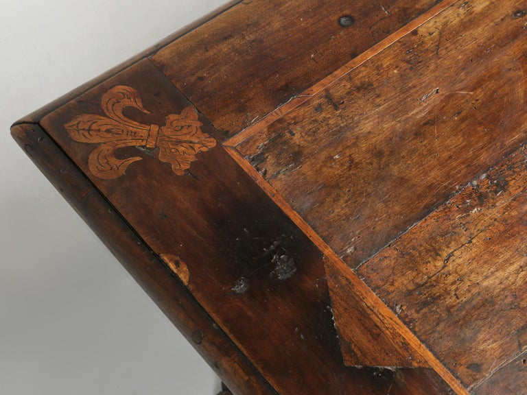 Antique French Trestle Dining Table with a Fleur-de-Lys Design Motif In Good Condition For Sale In Chicago, IL